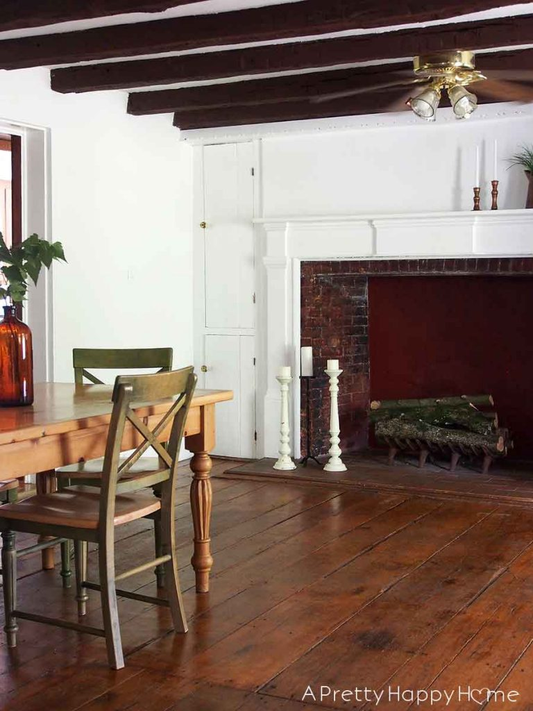 colonial farmhouse dining room