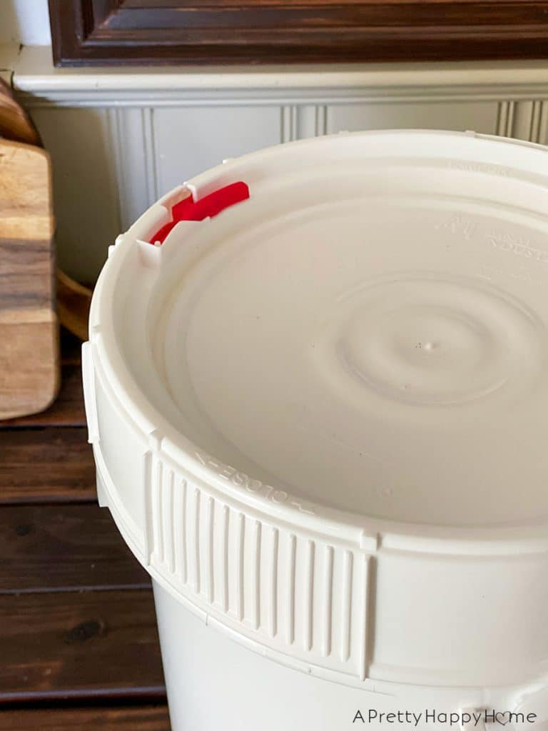 food safe buckets eight satisfying things i'm enjoying this summer